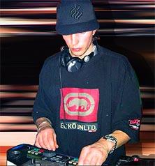 DJ Dlee